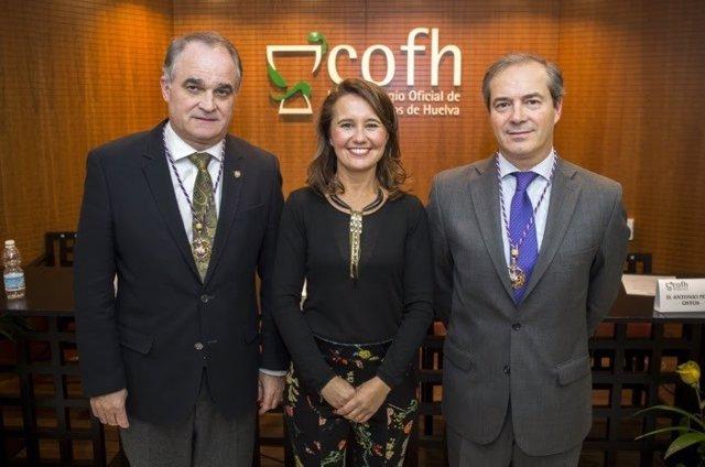 Gala de entrega de premios en el Colegio Oficial de Farmacéuticos de Huelva.