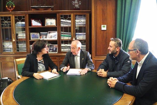 La delegada de la Junta se reúne con el presidente de la Diputación