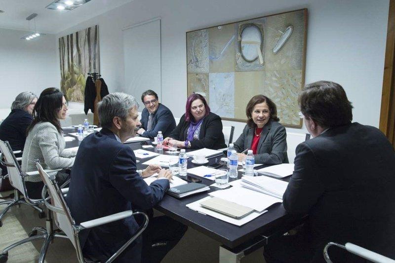 Una decena de ayuntamientos extremeños recibirá subvenciones para el mantenimiento del Servicio de Ayuda a Domicilio
