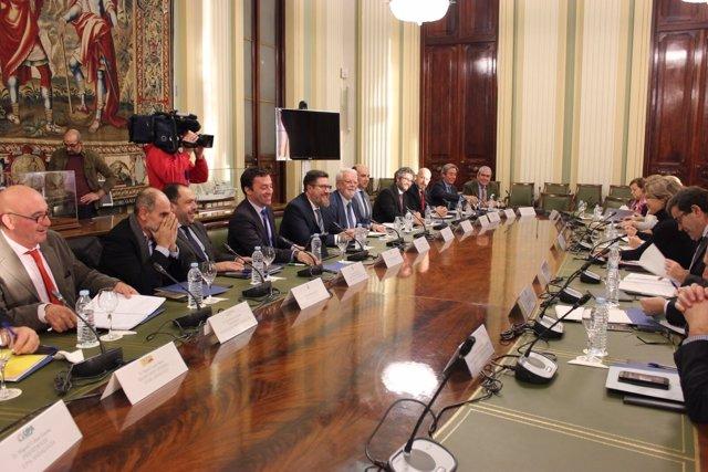 Reunión entre Gobierno, Junta y sector en defensa de la aceituna negra
