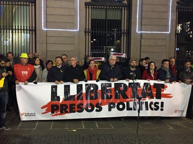 """Concentración en Sant Jaume de Barcelona por los """"presos políticos"""""""