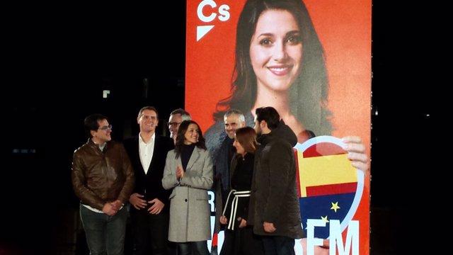 I.Arrimadas (CS) en el acto de apertura de campaña con A.Rivera