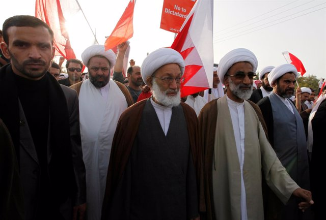 El líder chií bahteiní Isa Qassim