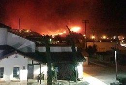 Un incendio en California obliga a evacuar 600 viviendas