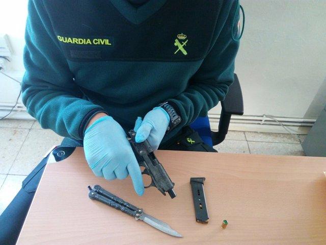 Detenidos dos vecinos de Bueu (Pontevedra) por supuestas amenazas con armas
