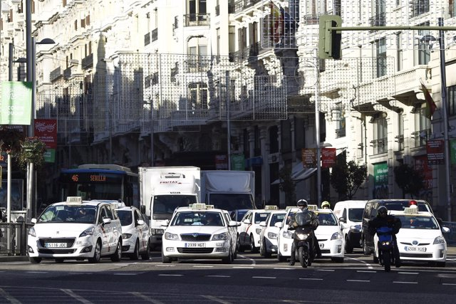 Tráfico en Madrid en el día de la restricción de matrículas por contaminación