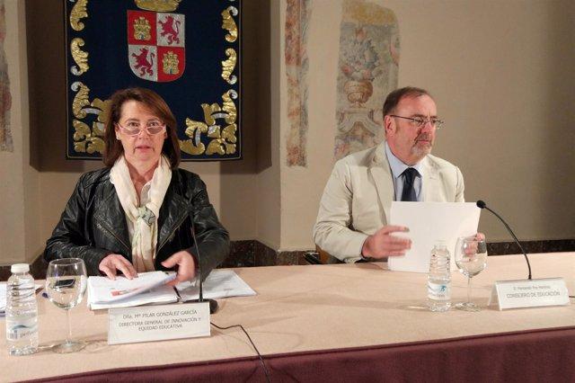 Rey (i) y González (d) presentan el estudio.