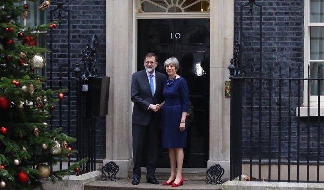 Rajoy recibido por Theresa May en Downing Street