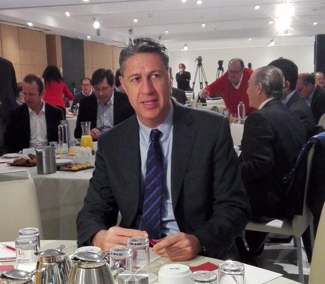 Xavier García Albiol (PP) en un desayuno-coloquio en campaña