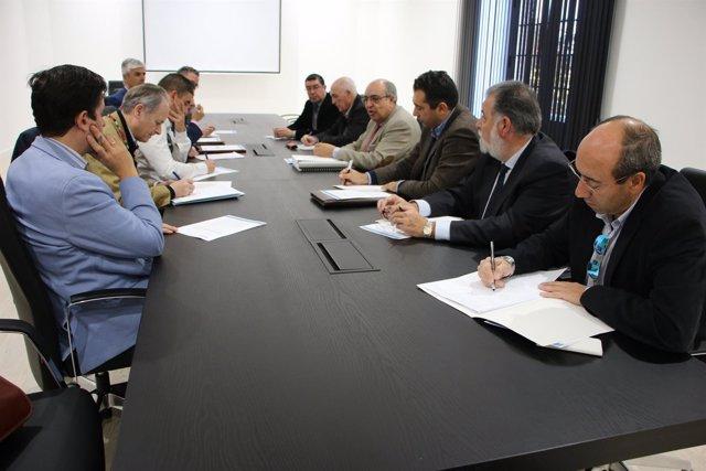 Mesa de reunión de CHG