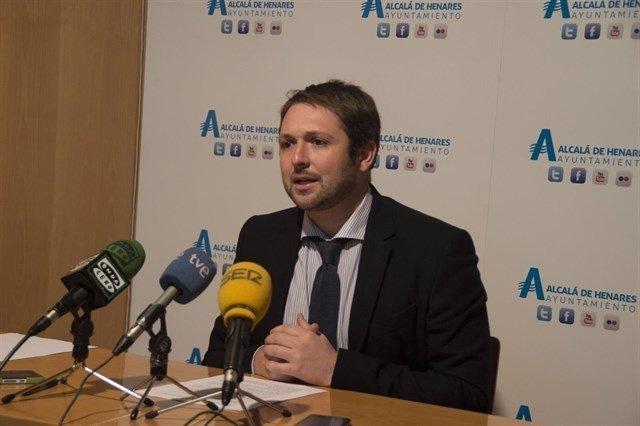 El portavoz del PP en Alcalá de Henares, Víctor Chacón