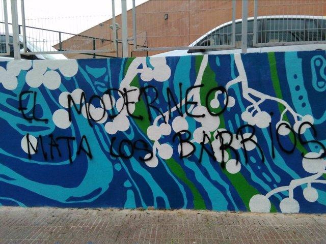 Atacan un mural pintado por los vecinos en Tetuán