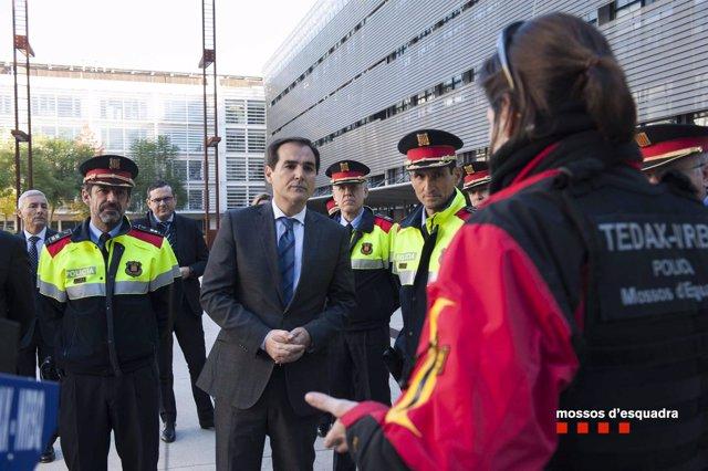 El secretario de Seguridad José Antonio Nieto y el comisario Ferran López