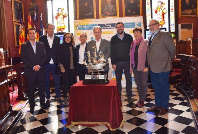 Presentación del trofeo Ciutat de Palma de Vela