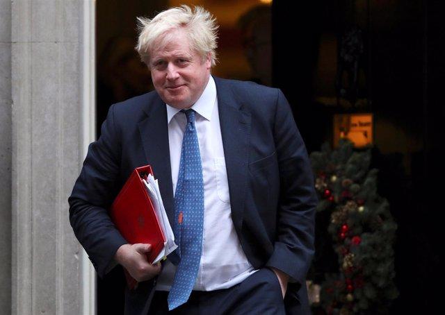 Boris Johnson frente a Downing Street