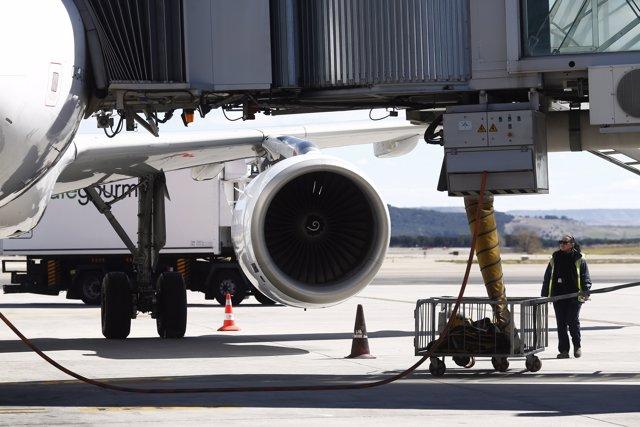 Repostar avión, repostando aviones, repostaje, repostando