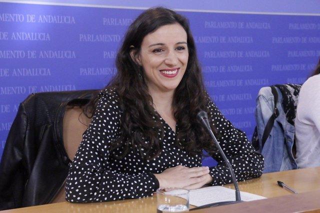 La diputada de Podemos Andalucía Libertad Benítez en rueda de prensa