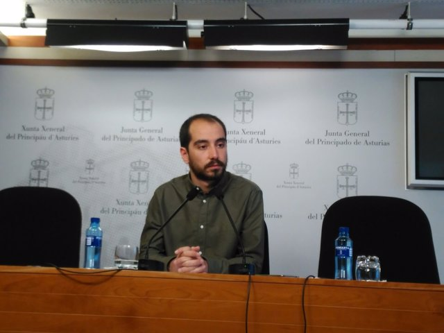 El diputado de Podemos Asturies Héctor Piernavieja