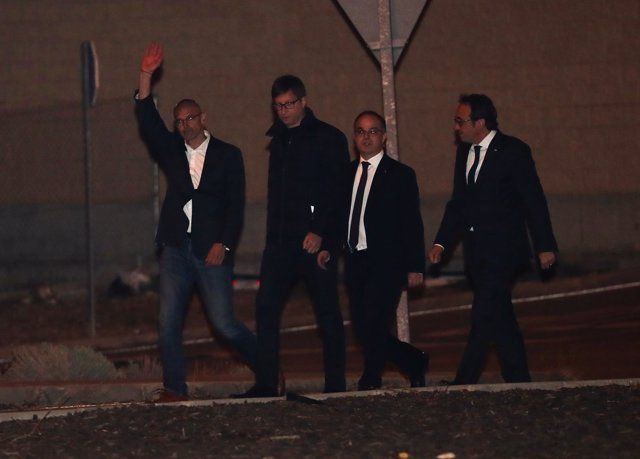 Raul Romeva, Carles Mundó, Josep Rull y Jordi Turull salen de la cárcel