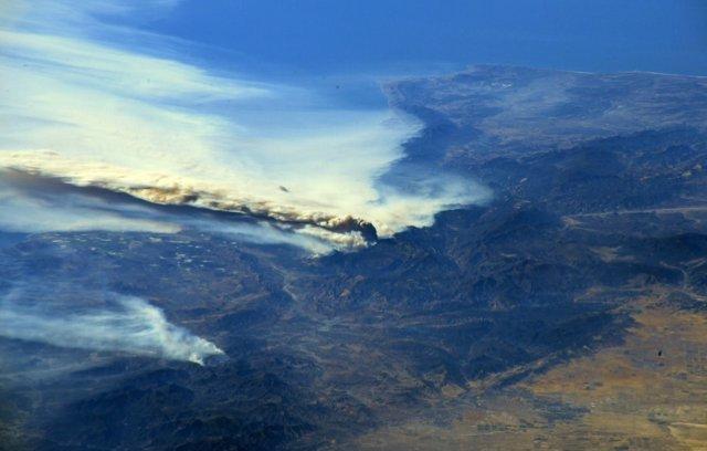 Imagen del incendio de Los Ángeles desde el espacio