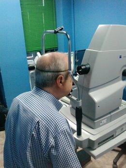 Realización de una retinografía.