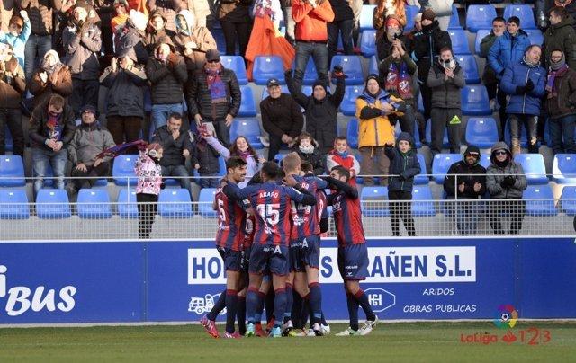El Huesca sigue líder en Segunda División