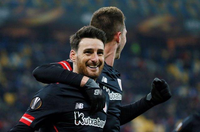 Aduriz celebra un gol del Athletic en la Liga Europa