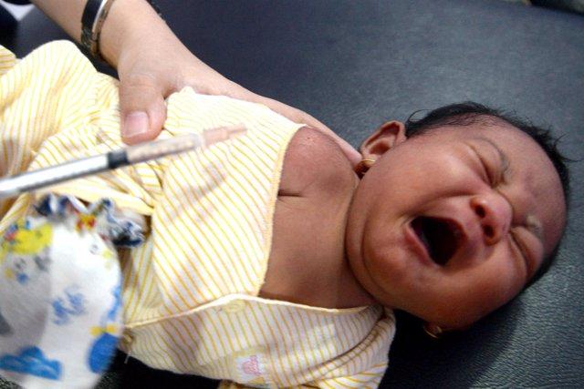Vacunación contra la difteria en Indonesia