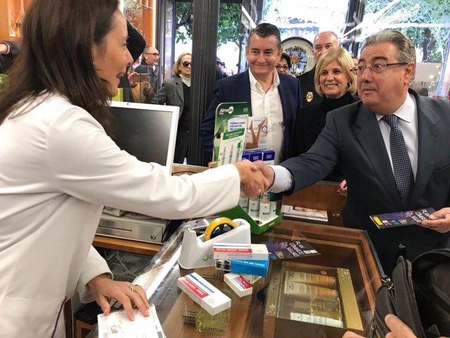 Zoido en un comercio de Jerez