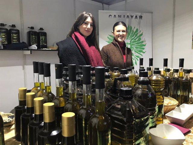 La Almazara Vega del Andarax de Canjáyar presenta su cosecha de este año.