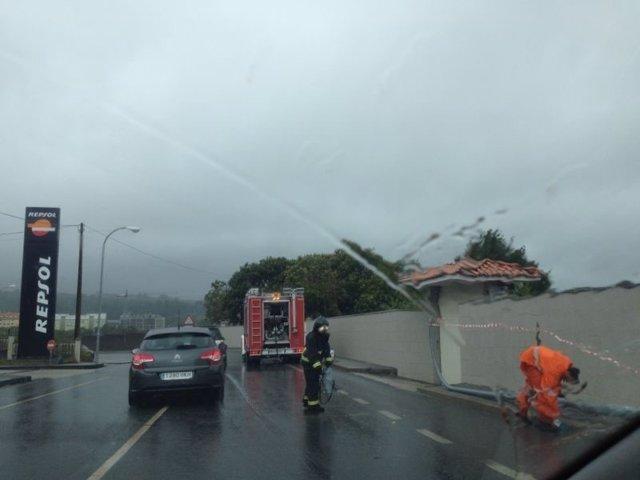 Bomberos trabajan por el temporal