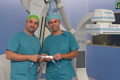 La Clínica Universidad de Navarra incorpora una técnica que aborda el estrechamiento de la arteria carótida