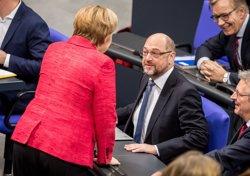 Alemanya.- Merkel insta als socialdemòcrates a reeditar la gran coalició (SILAS STEIN/DPA)