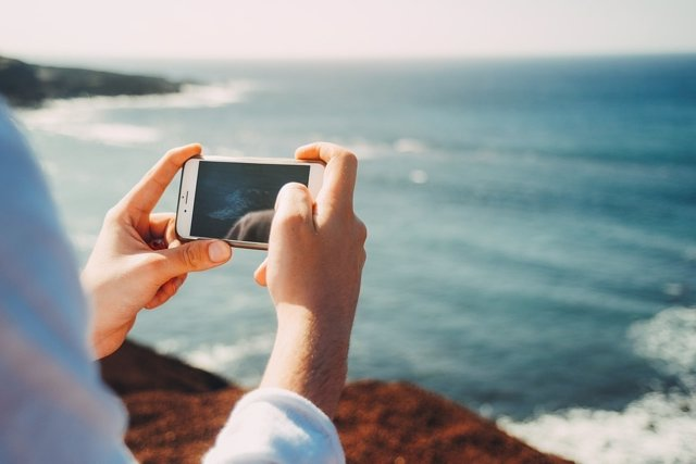 Teléfono móvil smartphone averías verano