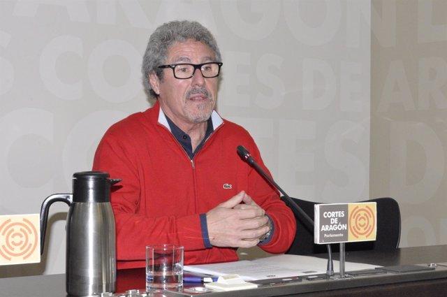 El portavoz de CHA en las Cortes, Gregorio Briz.