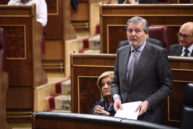 Iñigo Méndez de Vigo en la sesión de control en el Congreso
