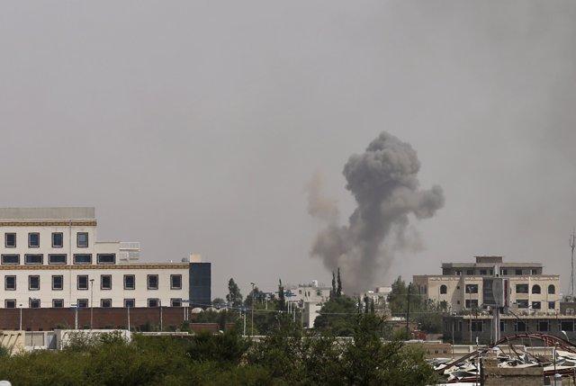 Bombardejos de la coalició saudita sobre Sanà (arxiu)