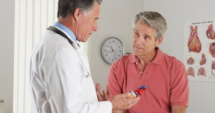 La mitad de la población del mundo no puede acceder a servicios básicos de salud, advierte la OMS