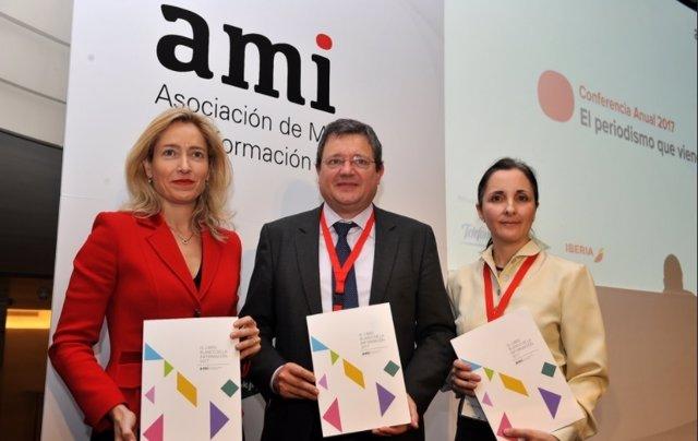 Presentación Libro Blanco de la Información 2017