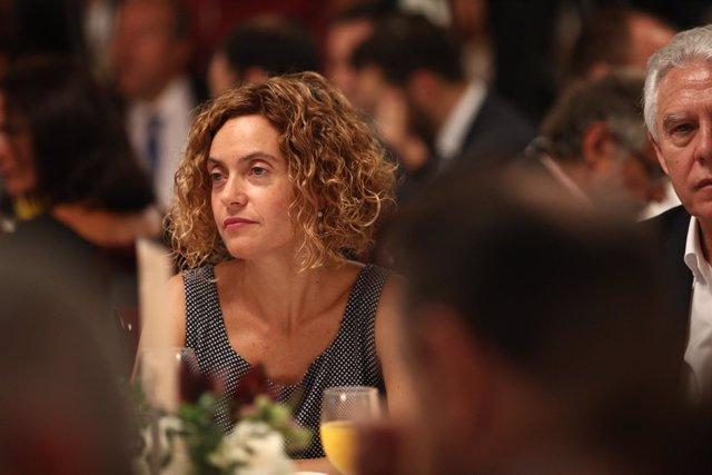 Meritxell Batet en el desayuno informativo de Europa Press con Pedro Sánchez