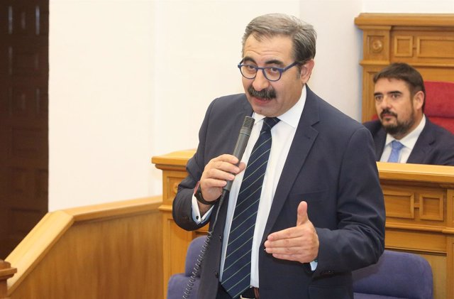 Fernández sanz, consejero, sanidad, clm
