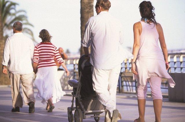 Turismo, malaga, turistas, familia, pasear