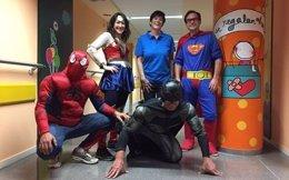 Rótulos Richard, disfrazados de superhéroes para los niños