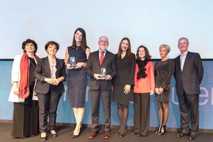 La campaña 'Mujeres por el corazón' recibe el premio iMujer a la mejor iniciativa saludable