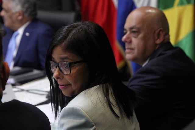 Delcy y Jorge Rodríguez en las negociaciones con la oposición venezolana