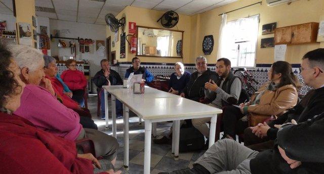 Visita del portavoz municipal de IU al barrio de La Bachillera