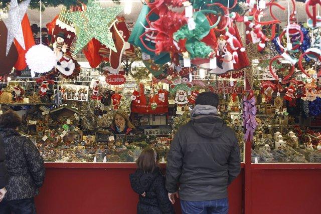 Navidad, navidades, adorno, adornos, compras, compra, niño, niña, niños, niñas