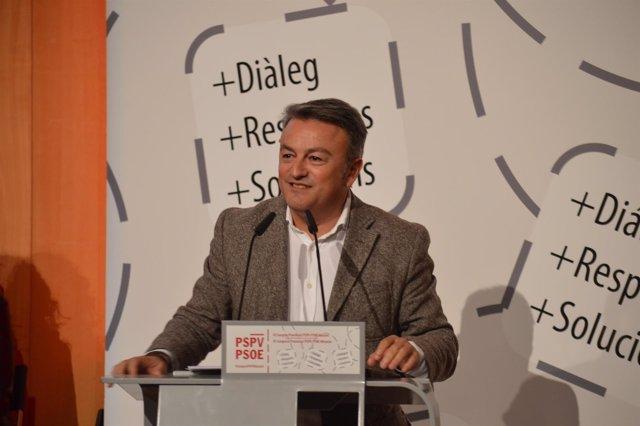 El nuevo secretario en Alicante, durante su intervención