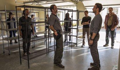 Más de 50.000 fans de The Walking Dead piden el despido de Scott Gimple tras la última muerte