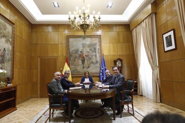 Fátima Báñez se reúne con Unai Sordo, Pepe Álvarez, Juan Rosell y Garamendi